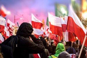 Marsz Niepodległości - w centrum miasta zebrały się tysiące ludzi mimo zakazu wydanego przez prezydenta miasta Warszawy