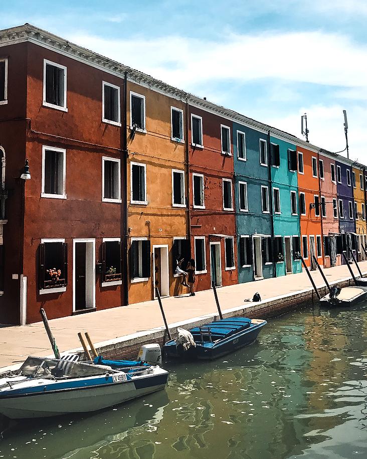Burano to włoska wyspa oddalona o 7km od Wenecji.  📸 fot. Crina Parasca