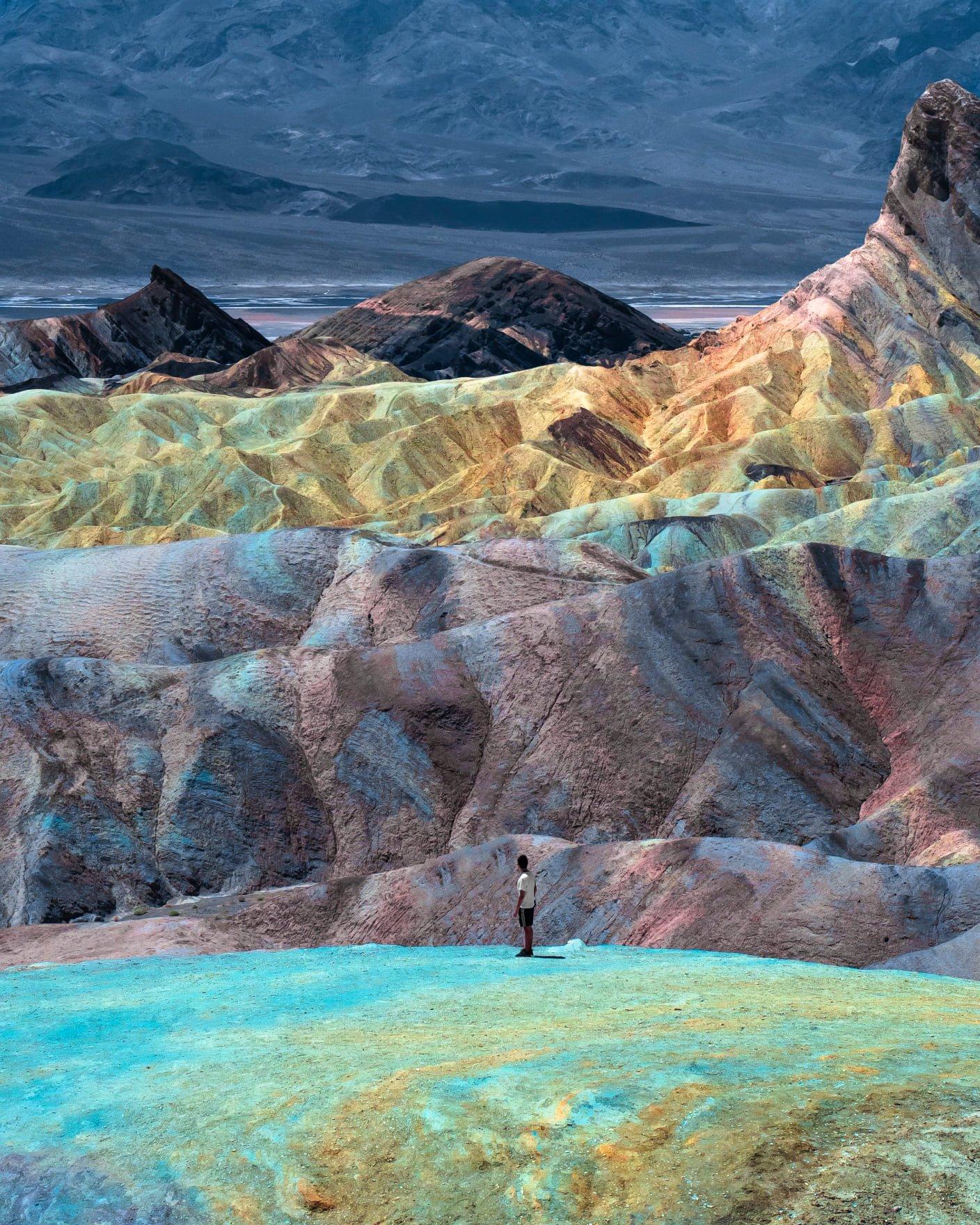 """Dolina Śmierci jest miejscem, w którym odnotowano najwyższą temperaturę na Ziemi.  Autor zdjęcia Marcello Bettoli wspomniał, że """"przy temperaturach sięgających 49° C przebywanie na świeżym powietrzu w słynnej Dolinie Śmierci było bardzo dużym wyzwaniem""""."""